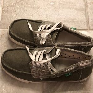 Size 11 Sanuk Green and White Canvas Boat Shoes
